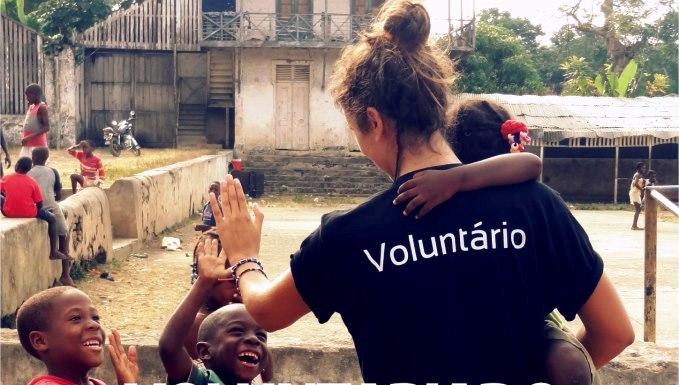Resultado de imagem para Trabalho voluntário atrai quem gosta de ajudar ao próximo
