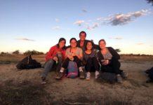 Amigos reunidos no Trabalho voluntário na Namíbia