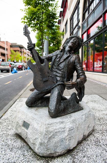 Estátua-de-Bronze-Jimi-Hendrix