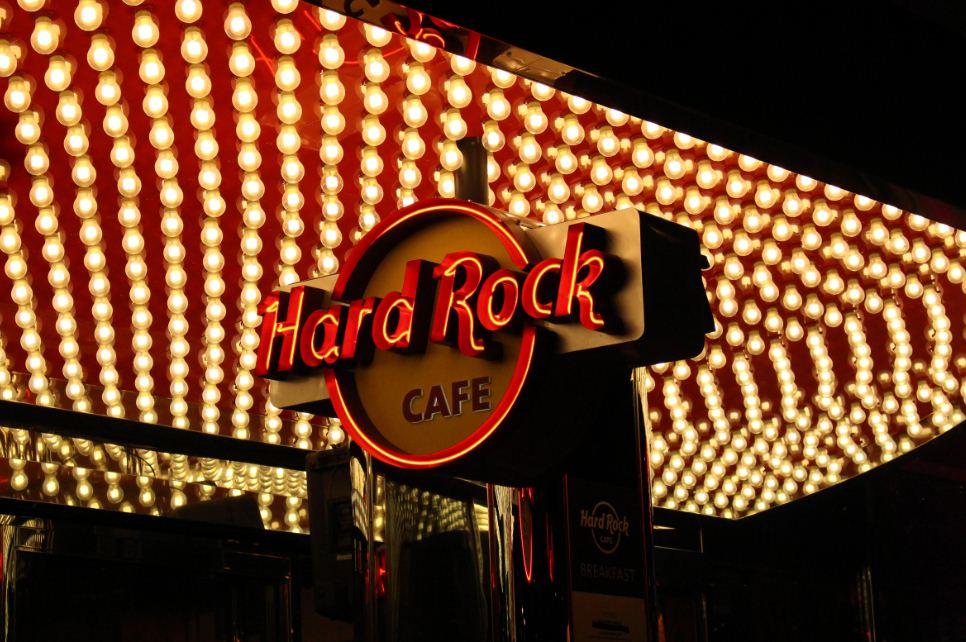 Hard-Rock-Cafe-Dia-Mundial-do-Rock